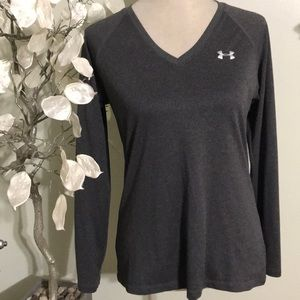 UNDER ARMOR SEMI FITTED TOP